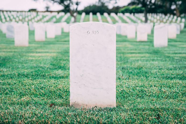 実家の母の喪中の出し方と注意点を解説!喪中を出すべき状況・相手と内容について