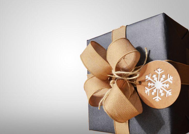 実家の新築祝いはどうすればいいのか?祝い金の相場・プレゼント例・マナーを解説