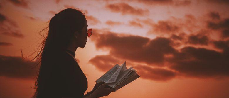 読書のメリット 小説を読んで得られるものとは